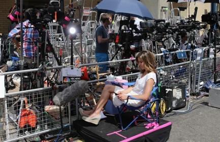 giornalisti in attesa